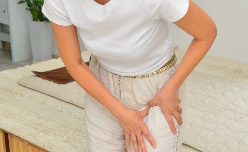 変形性股関節症は女性に多い疾患です。ブロック注射や痛み止め薬で誤魔化さずに早めに対処しましょう。変形性股関節症でお悩みの方は河内長野こにし整体院にお任せください。
